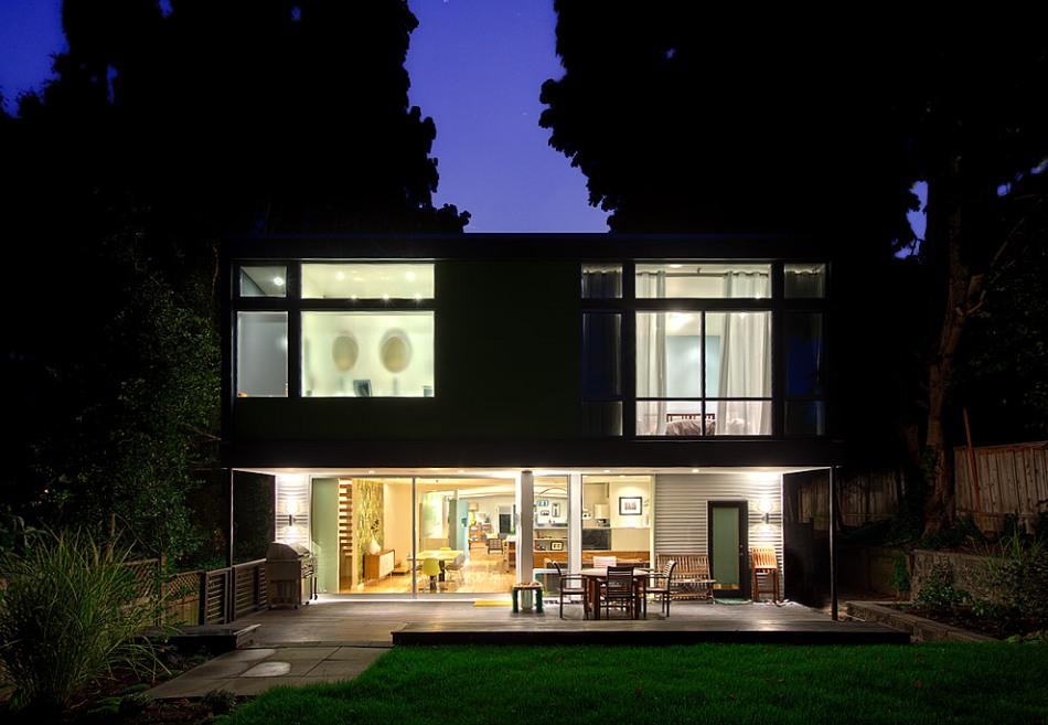 Seatle-house-twilight